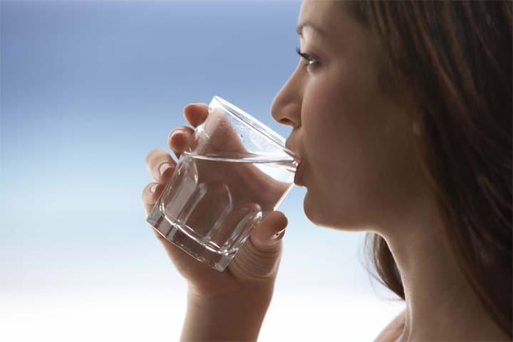 خوردن آب کافی